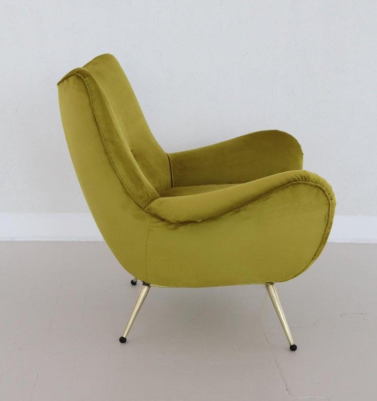 Italian Midcentury Armchair in Velvet and Brass, 1950s For Sale 9