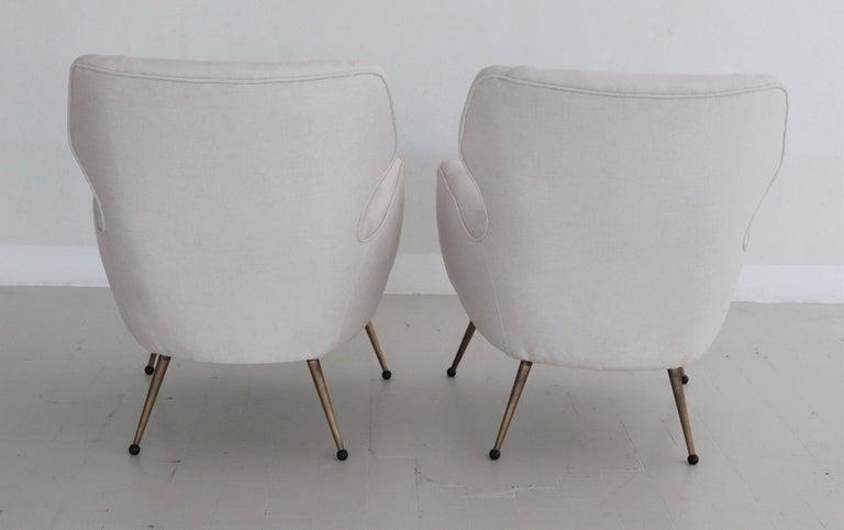 Italian Midcentury Armchairs in White Velvet in Gigi Radice Style, 1950s For Sale 7