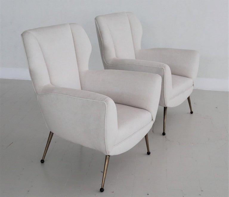 Mid-Century Modern Italian Midcentury Armchairs in White Velvet in Gigi Radice Style, 1950s For Sale