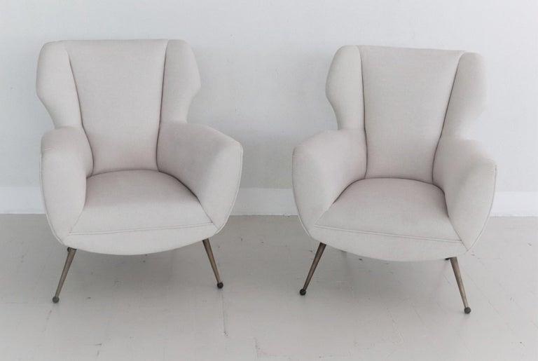 Mid-20th Century Italian Midcentury Armchairs in White Velvet in Gigi Radice Style, 1950s For Sale