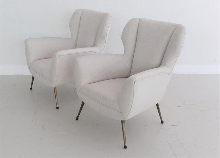 Italian Midcentury Armchairs in White Velvet in Gigi Radice Style, 1950s For Sale 1