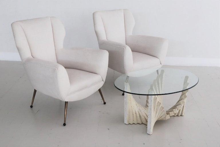Italian Midcentury Armchairs in White Velvet in Gigi Radice Style, 1950s For Sale 2