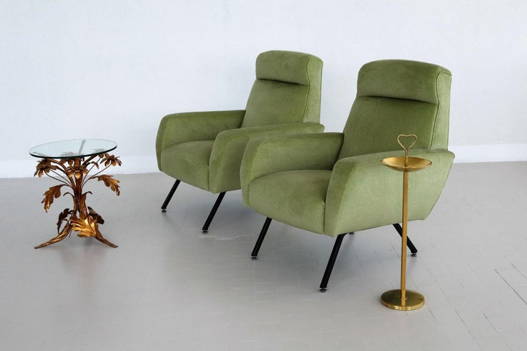 Italian Midcentury Armchairs Re-Upholstered in Green Velvet, 1960s In Good Condition For Sale In Clivio, Varese