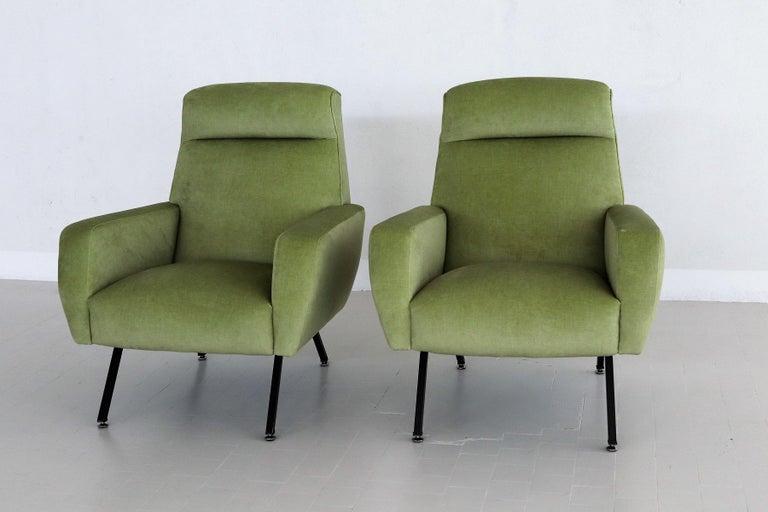 Italian Midcentury Armchairs Re-Upholstered in Green Velvet, 1960s For Sale 1