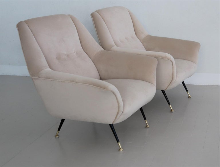 Italian Midcentury Armchairs Restored in Beige Soft Velvet and Brass, 1950s For Sale 6