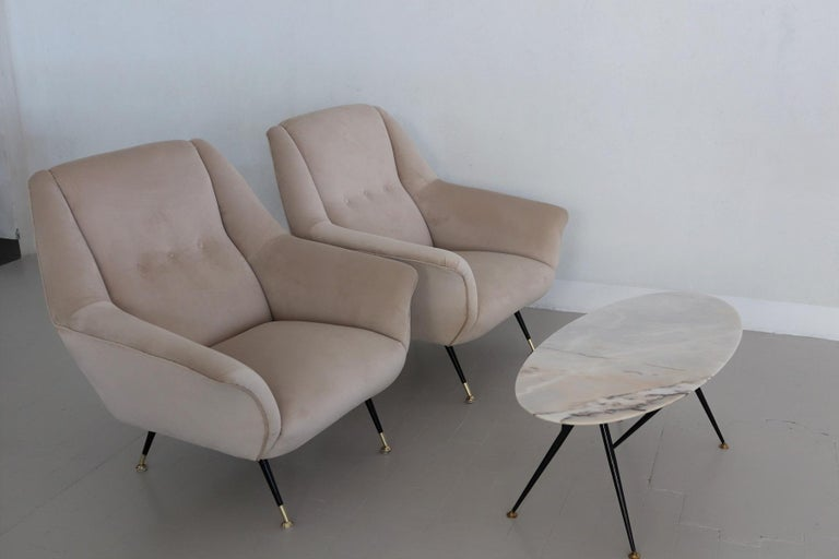 Italian Midcentury Armchairs Restored in Beige Soft Velvet and Brass, 1950s For Sale 2