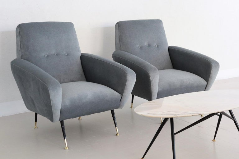 Italian Midcentury Armchairs restored in Pale Blue Grey Velvet, 1950s In Excellent Condition For Sale In Clivio, Varese