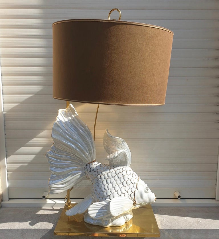 Italian Midcentury Big Ceramic Fish Lamp with Brass Details, 1970s For Sale 5