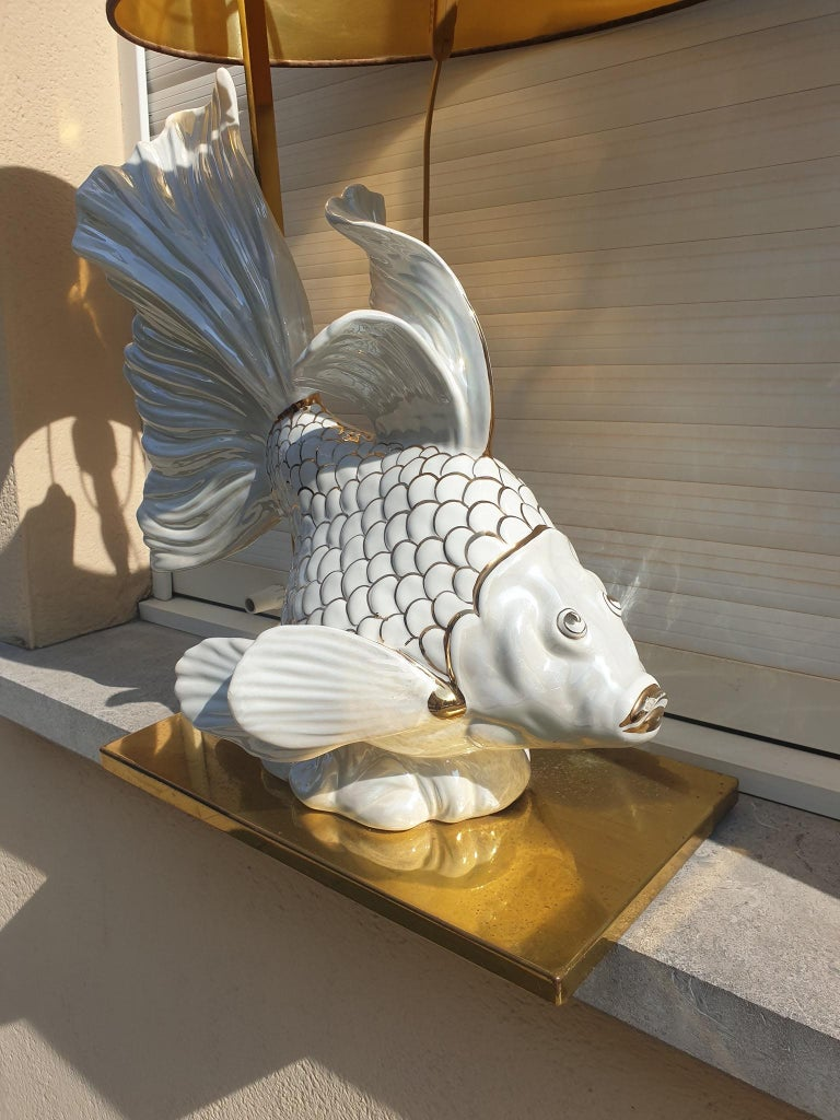 Italian Midcentury Big Ceramic Fish Lamp with Brass Details, 1970s For Sale 6