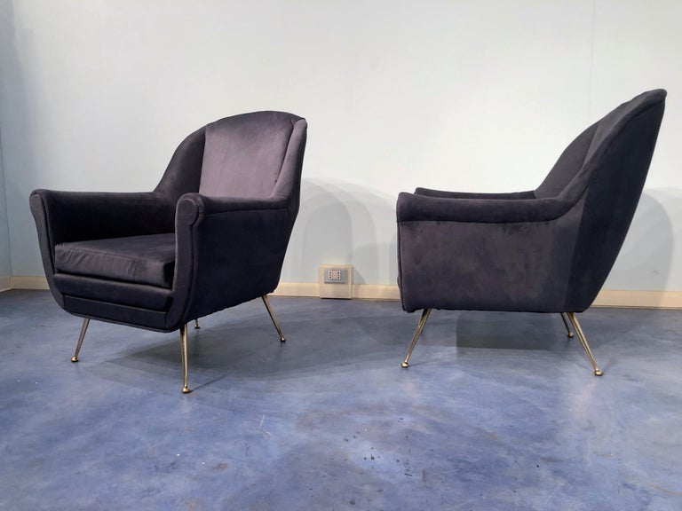 Pair of Italian Midcentury Midnight Blue Velvet Armchairs, Gio Ponti Style 1950s For Sale 5