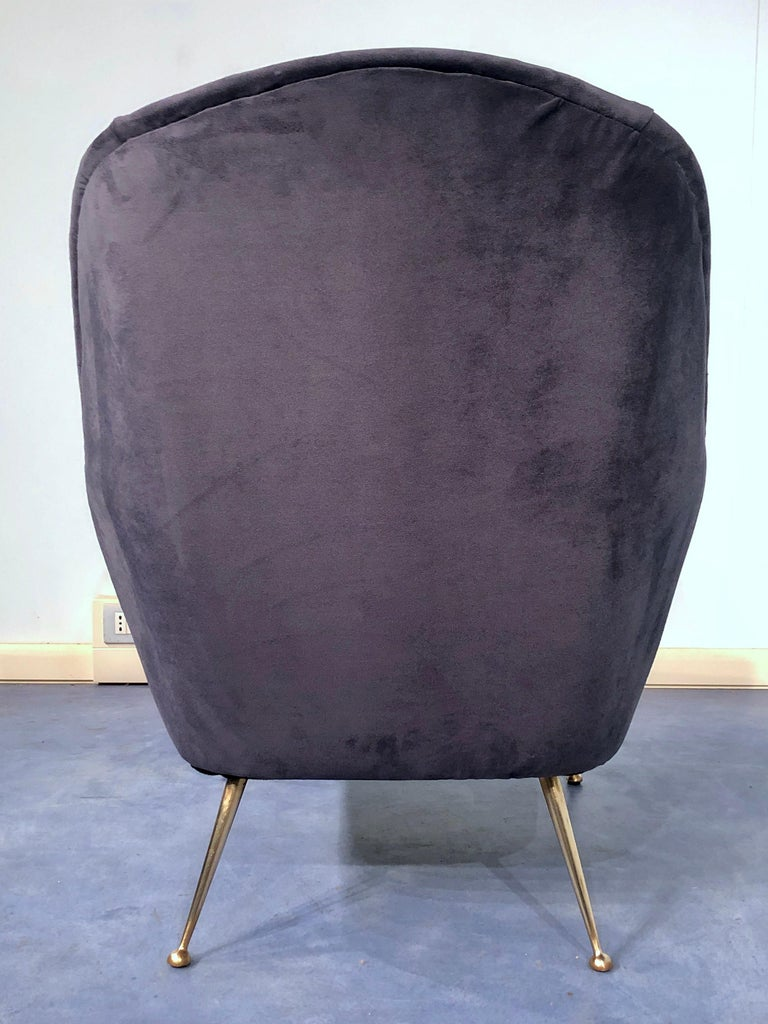 Pair of Italian Midcentury Midnight Blue Velvet Armchairs, Gio Ponti Style 1950s For Sale 8