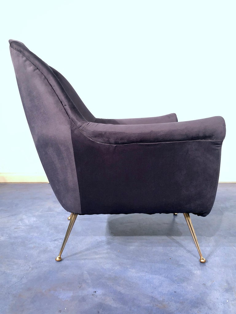 Pair of Italian Midcentury Midnight Blue Velvet Armchairs, Gio Ponti Style 1950s For Sale 9