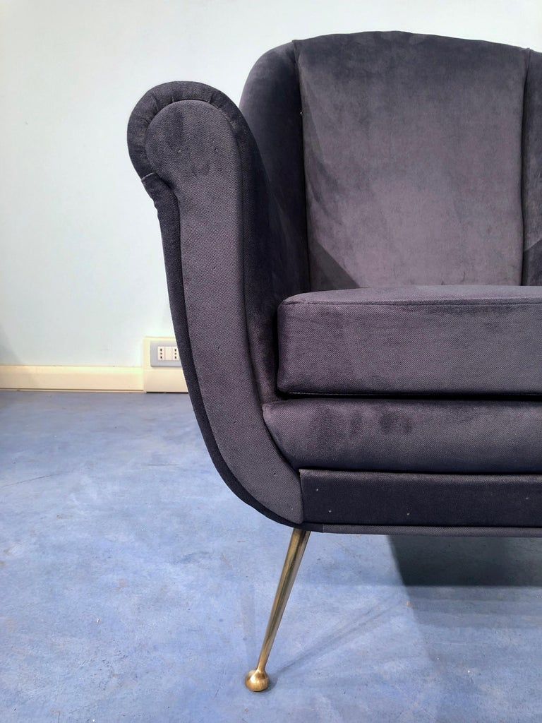 Pair of Italian Midcentury Midnight Blue Velvet Armchairs, Gio Ponti Style 1950s For Sale 10