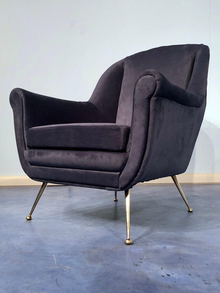 Pair of Italian Midcentury Midnight Blue Velvet Armchairs, Gio Ponti Style 1950s For Sale 12