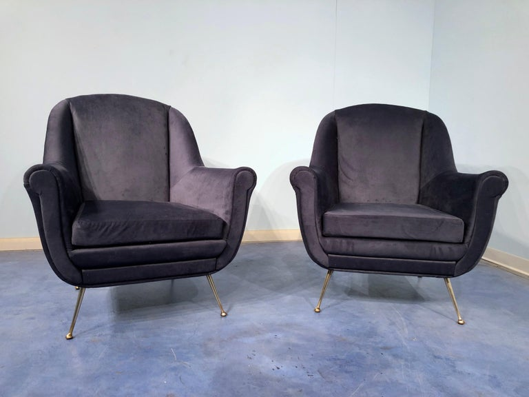 Mid-Century Modern Pair of Italian Midcentury Midnight Blue Velvet Armchairs, Gio Ponti Style 1950s For Sale