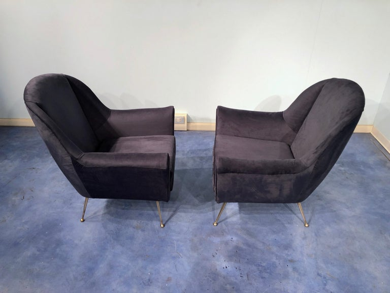 Pair of Italian Midcentury Midnight Blue Velvet Armchairs, Gio Ponti Style 1950s For Sale 1