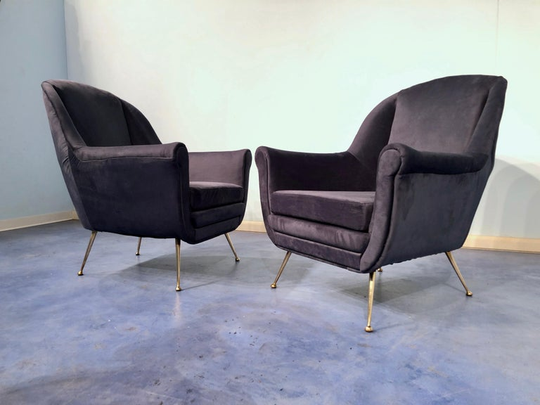 Pair of Italian Midcentury Midnight Blue Velvet Armchairs, Gio Ponti Style 1950s For Sale 3