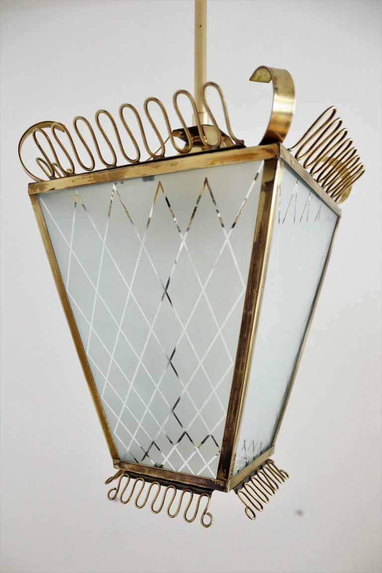 Italian Midcentury Brass and Glass Lantern or Pendant Lamp, 1950 For Sale 4