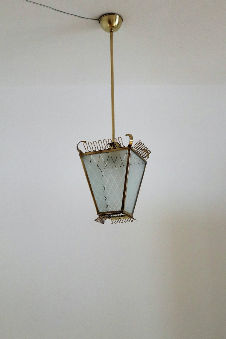 Italian Midcentury Brass and Glass Lantern or Pendant Lamp, 1950 For Sale 8