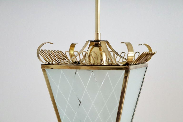 Italian Midcentury Brass and Glass Lantern or Pendant Lamp, 1950 For Sale 3