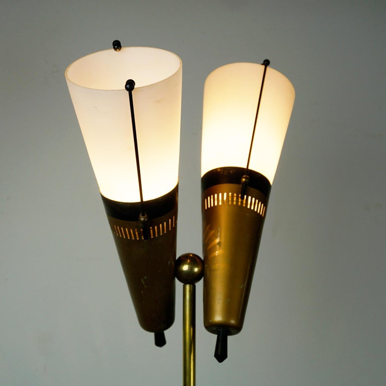 Italian Midcentury Brass, Glass and Marble Floor Lamp by Bruno Chiarini For Sale 1