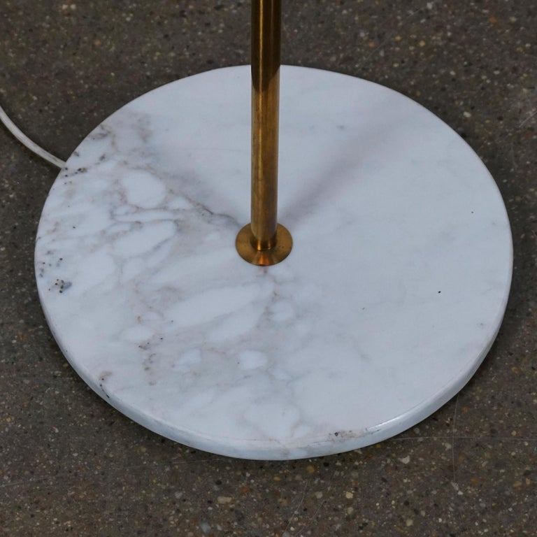 Italian Midcentury Brass, Glass and Marble Floor Lamp by Bruno Chiarini For Sale 4