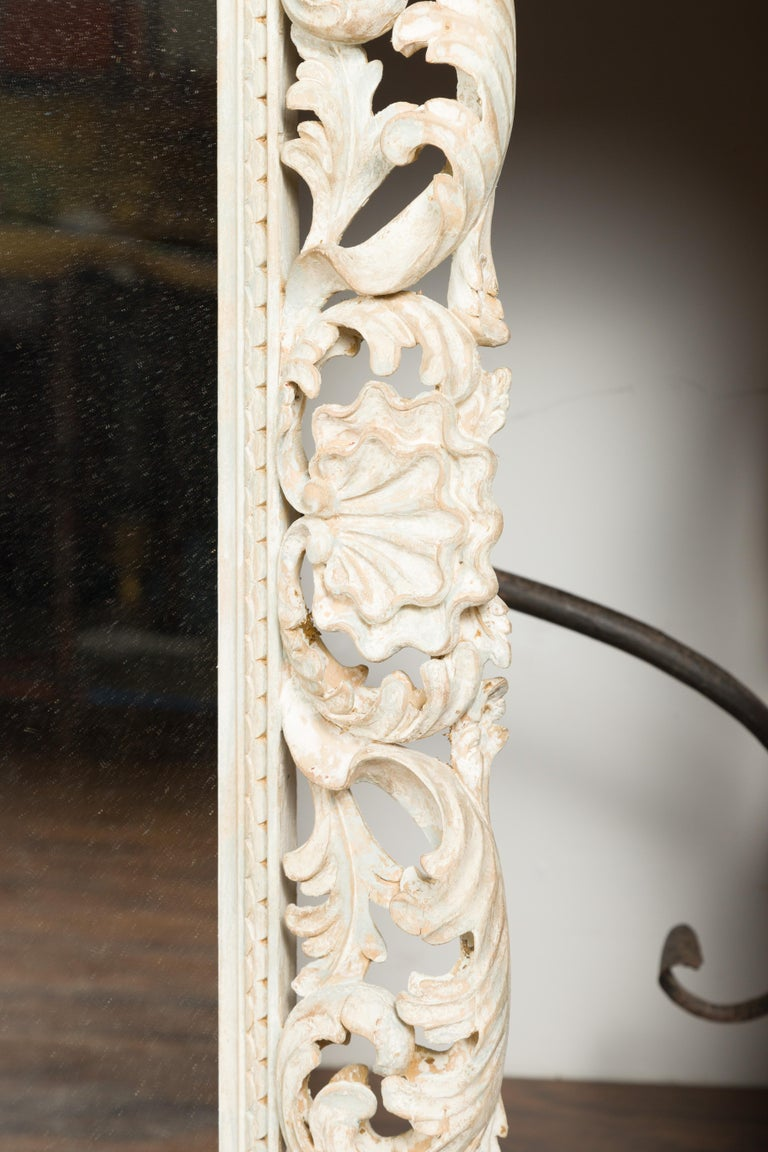 Italian Midcentury Carved Mirror with Scrolling Acanthus Leaves and Shell Motifs For Sale 6