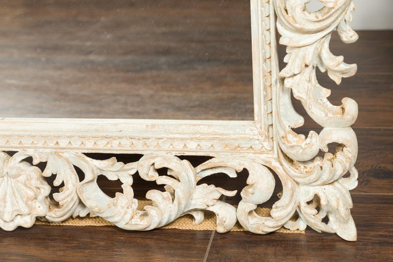 Italian Midcentury Carved Mirror with Scrolling Acanthus Leaves and Shell Motifs For Sale 7
