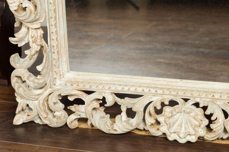 Italian Midcentury Carved Mirror with Scrolling Acanthus Leaves and Shell Motifs For Sale 8