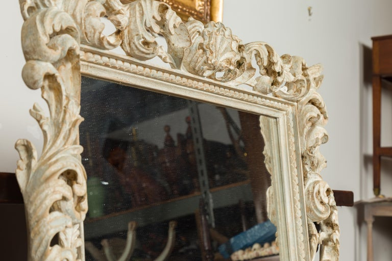 Italian Midcentury Carved Mirror with Scrolling Acanthus Leaves and Shell Motifs For Sale 10