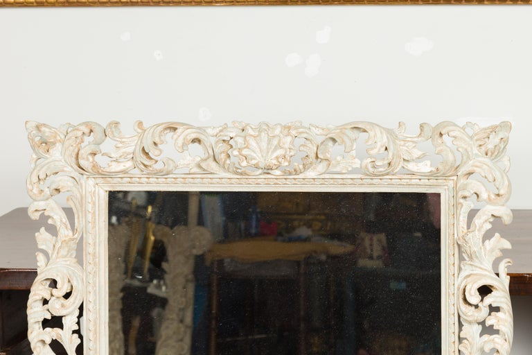 Italian Midcentury Carved Mirror with Scrolling Acanthus Leaves and Shell Motifs In Good Condition For Sale In Atlanta, GA
