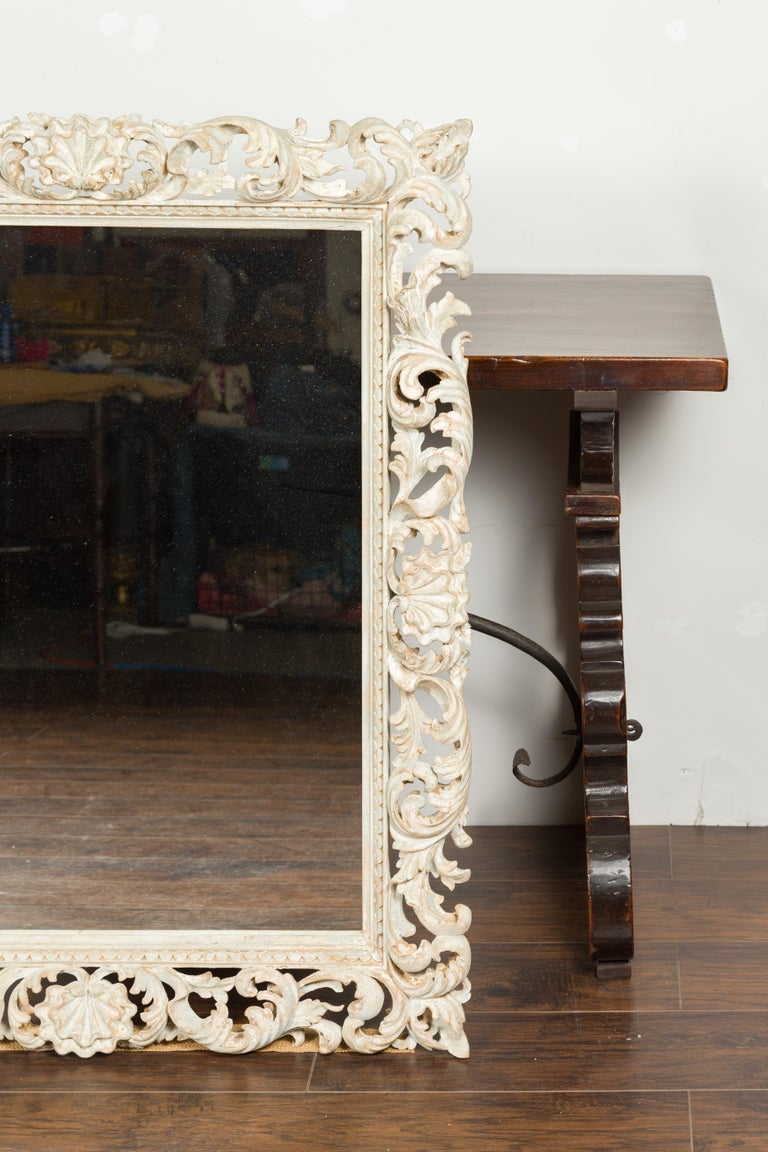 Italian Midcentury Carved Mirror with Scrolling Acanthus Leaves and Shell Motifs For Sale 1