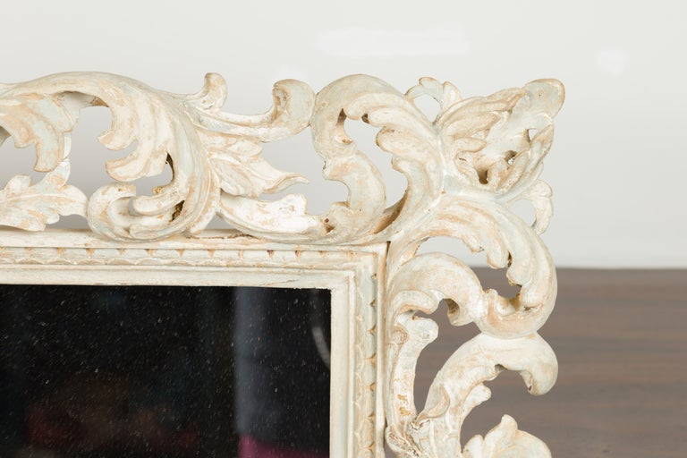 Italian Midcentury Carved Mirror with Scrolling Acanthus Leaves and Shell Motifs For Sale 4