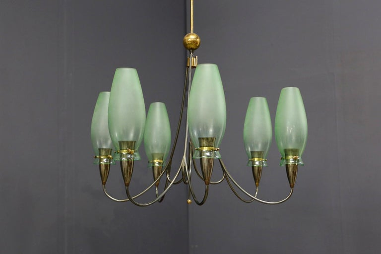 Italian Midcentury Chandelier in Brass and Murano Glass, 1950s For Sale 7