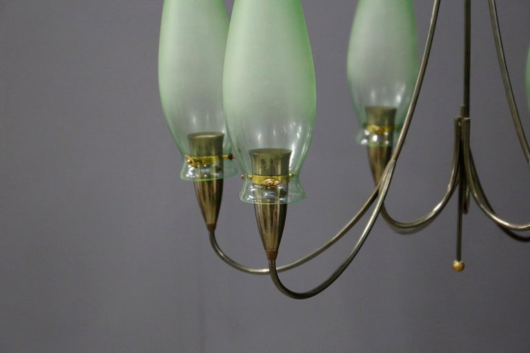 Italian Midcentury Chandelier in Brass and Murano Glass, 1950s For Sale 1