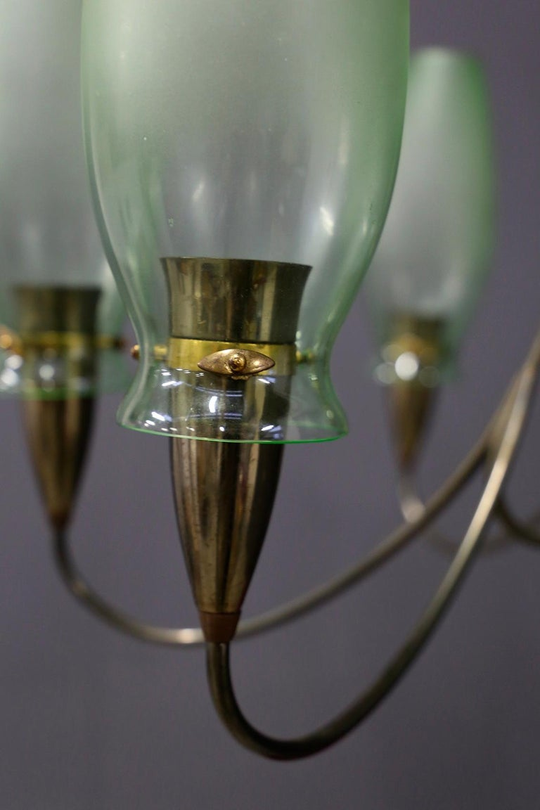 Italian Midcentury Chandelier in Brass and Murano Glass, 1950s For Sale 3