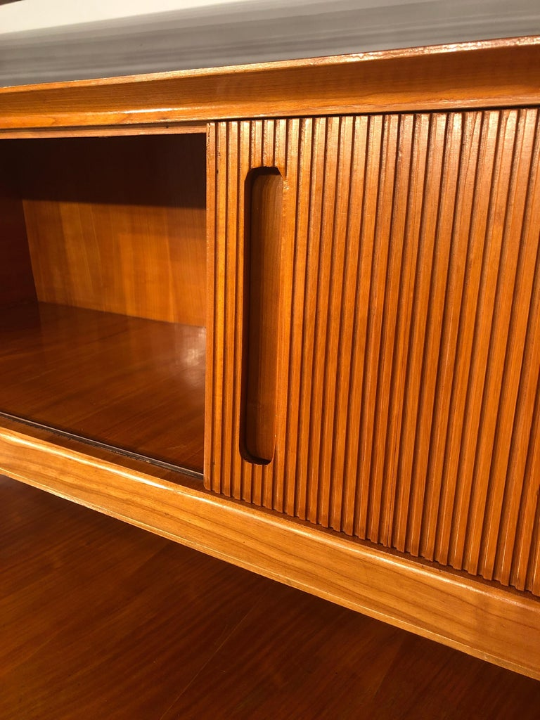 Italian Midcentury Cherrywood Sideboard Bookcase by La Permanente Cantù, 1950s For Sale 14