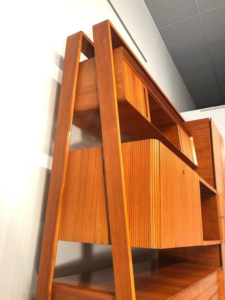 Italian Midcentury Cherrywood Sideboard Bookcase by La Permanente Cantù, 1950s For Sale 15