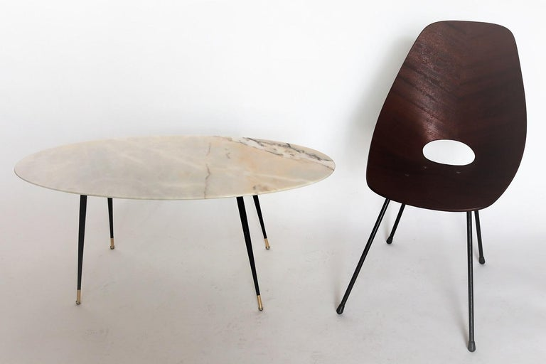 Mid-Century Modern Italian Midcentury Coffee Table with Pink Marble and Stiletto Brass Feet, 1950s For Sale