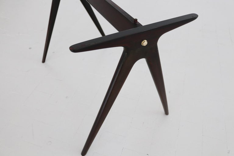 Italian Midcentury Coffee Table with Pink Marble Top and Wooden Legs, 1950s For Sale 8