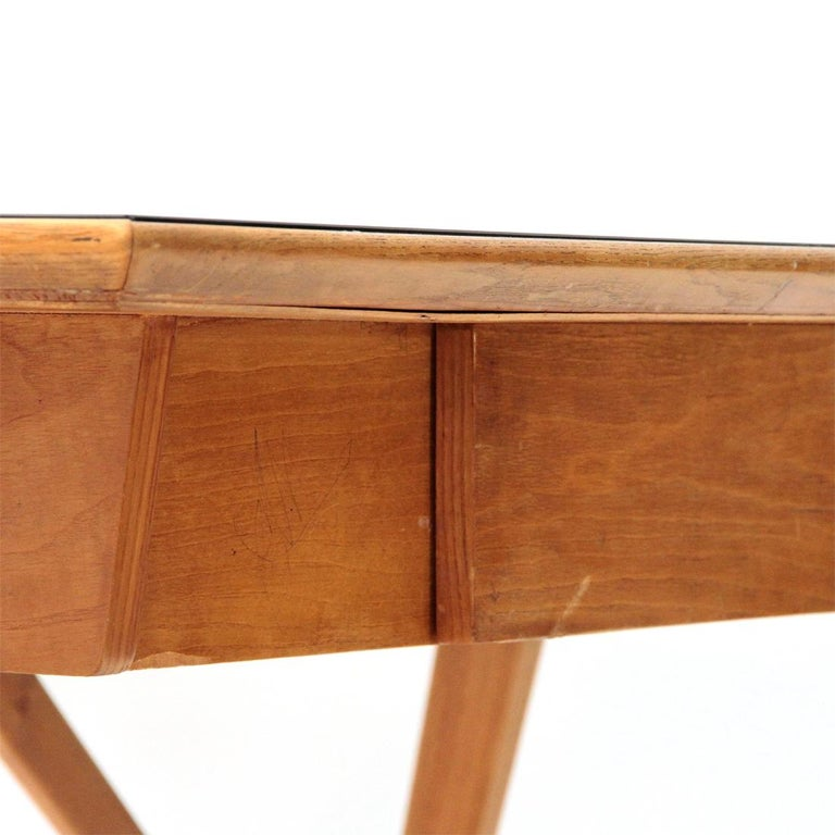 Italian Midcentury Desk with Black Glass Top, 1950s For Sale 6
