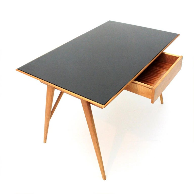 Italian Midcentury Desk with Black Glass Top, 1950s In Good Condition For Sale In Savona, IT