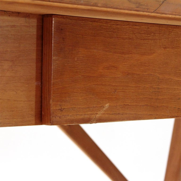 Italian Midcentury Desk with Black Glass Top, 1950s For Sale 4