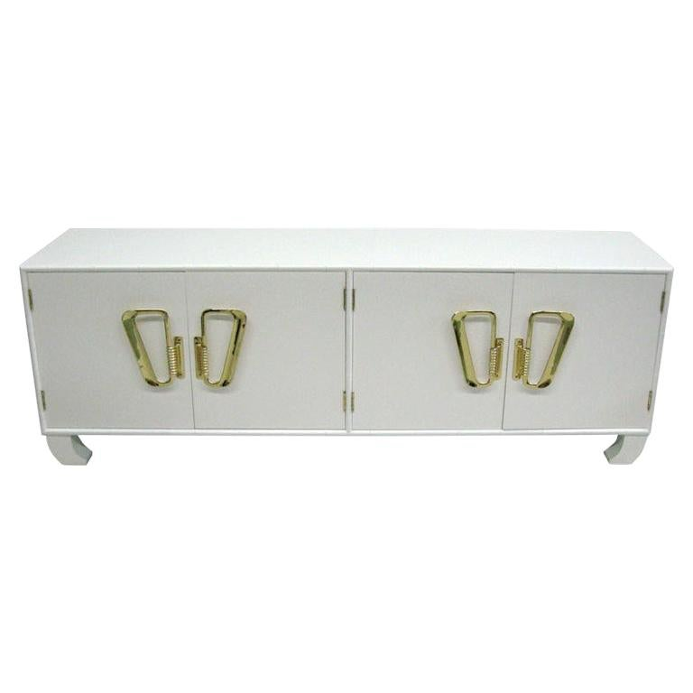 Italian Midcentury Hollywood Regency White Lacquered Sideboard or Credenza, 1970 For Sale