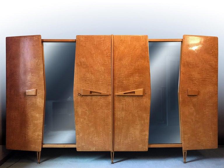Mid-Century Modern Italian Midcentury Maple Wardrobe with Sliding Mirrors by Vittorio Dassi, 1950s For Sale