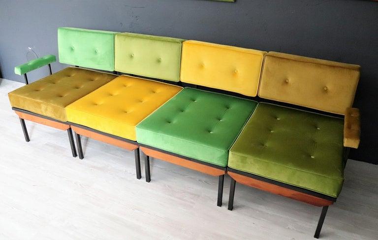 Italian Midcentury Modular Sofa Restored with Velvet, 1960s For Sale 4