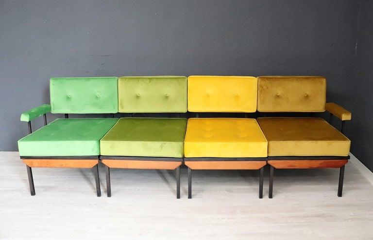Italian Midcentury Modular Sofa Restored with Velvet, 1960s For Sale 5
