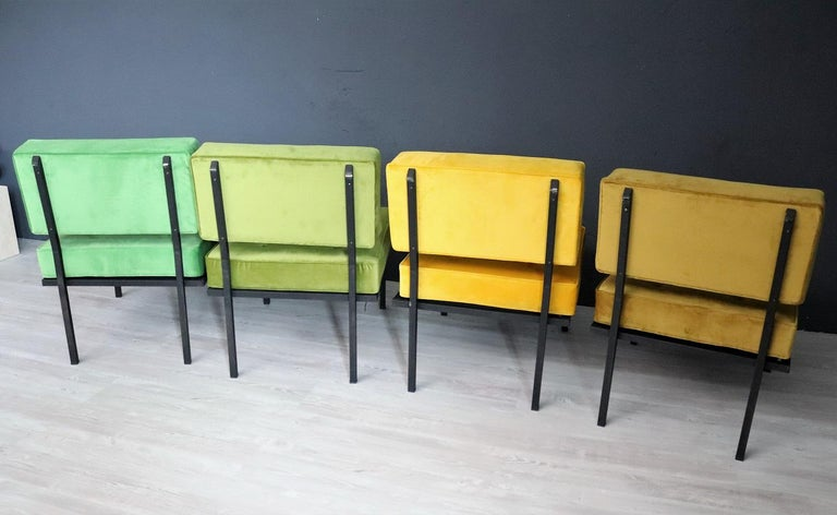 Italian Midcentury Modular Sofa Restored with Velvet, 1960s For Sale 8
