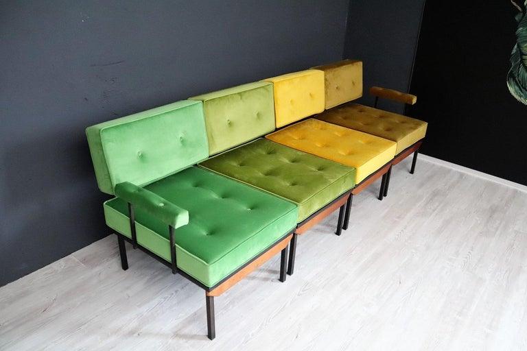 Italian Midcentury Modular Sofa Restored with Velvet, 1960s For Sale 14
