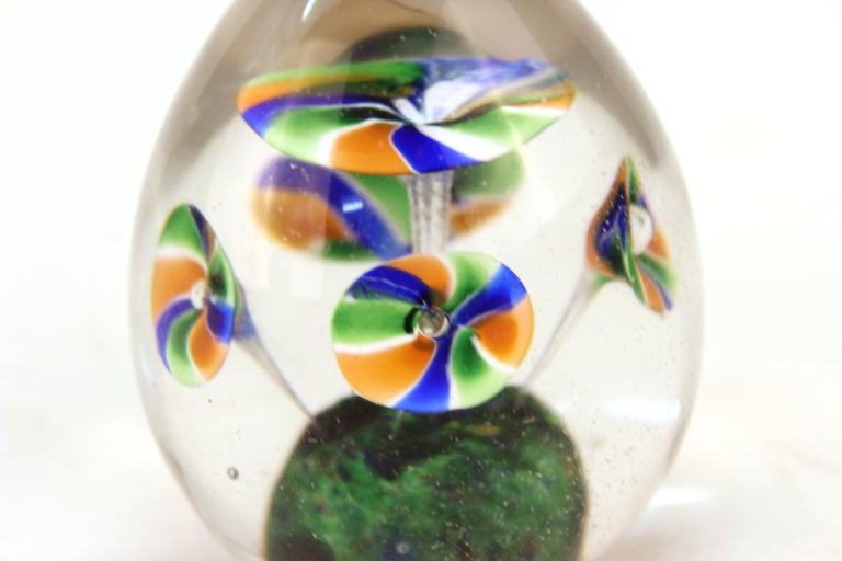 20th Century Italian Midcentury Murano Art Glass Paperweight with Floral Motif For Sale